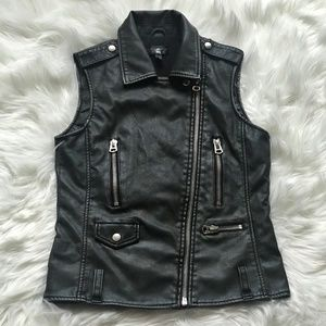Topshop Dark Gray/Black Faux Leather Vest Size 2